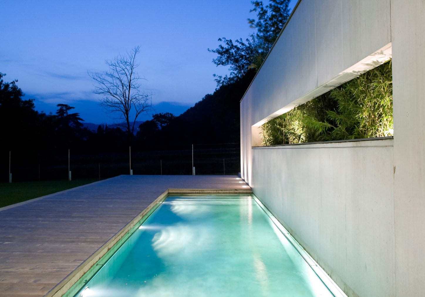 photo-piscine-marche-longue-3_paves-decors